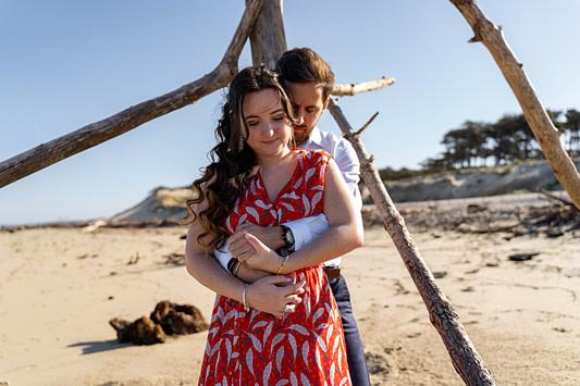 Séance couple sur les plages de Lateste de Bush à côté d'Arcachon